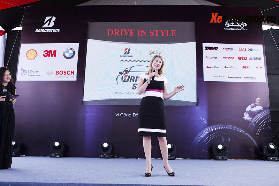 xecongnghe-drive%20in%20style-Aimee%20Symington